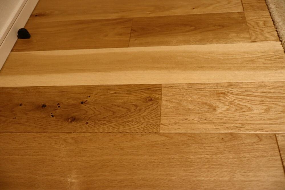 突き板よりも表情豊かになる挽き板のフローリング