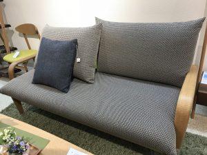 飛騨産業(キツツキ)のソファー