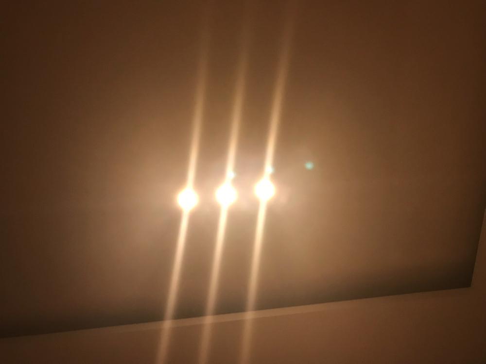 調光でもダウンライトはまぶしい