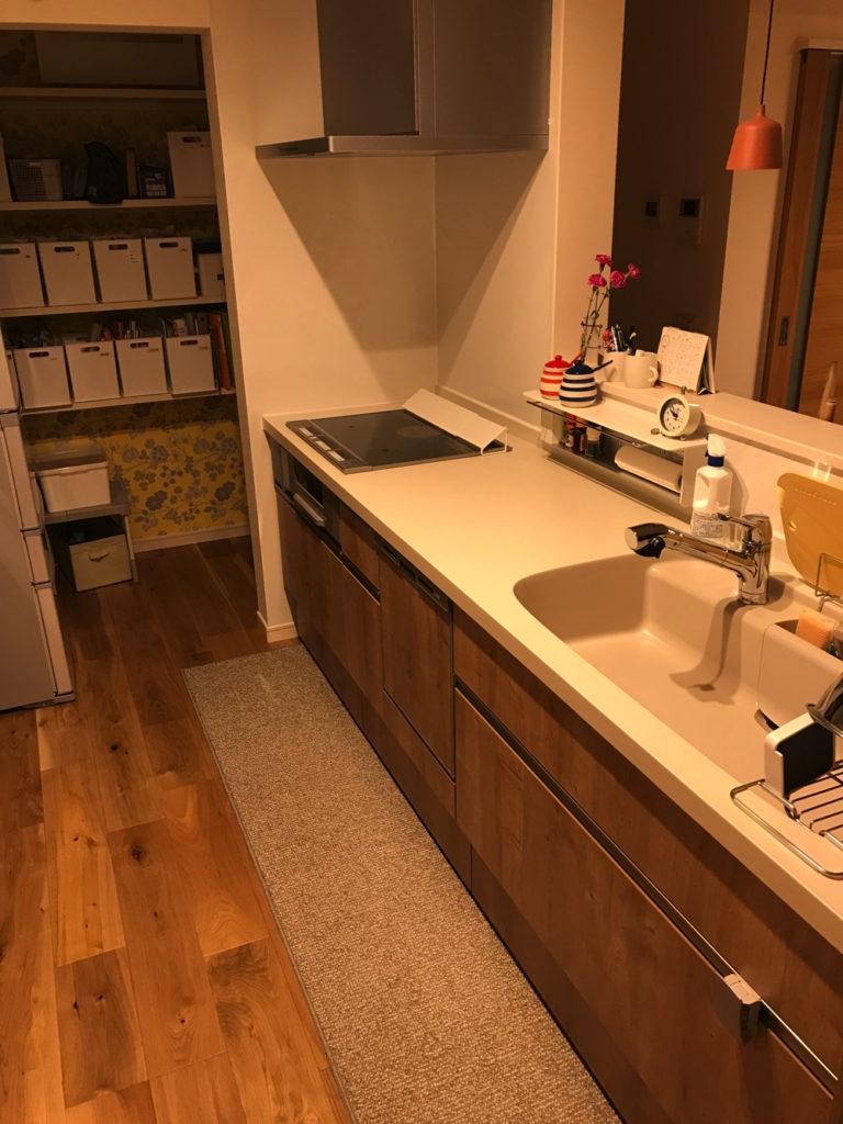 リクシルの人造大理石キッチンはお洒落で愛着がわくから掃除もしたくなる