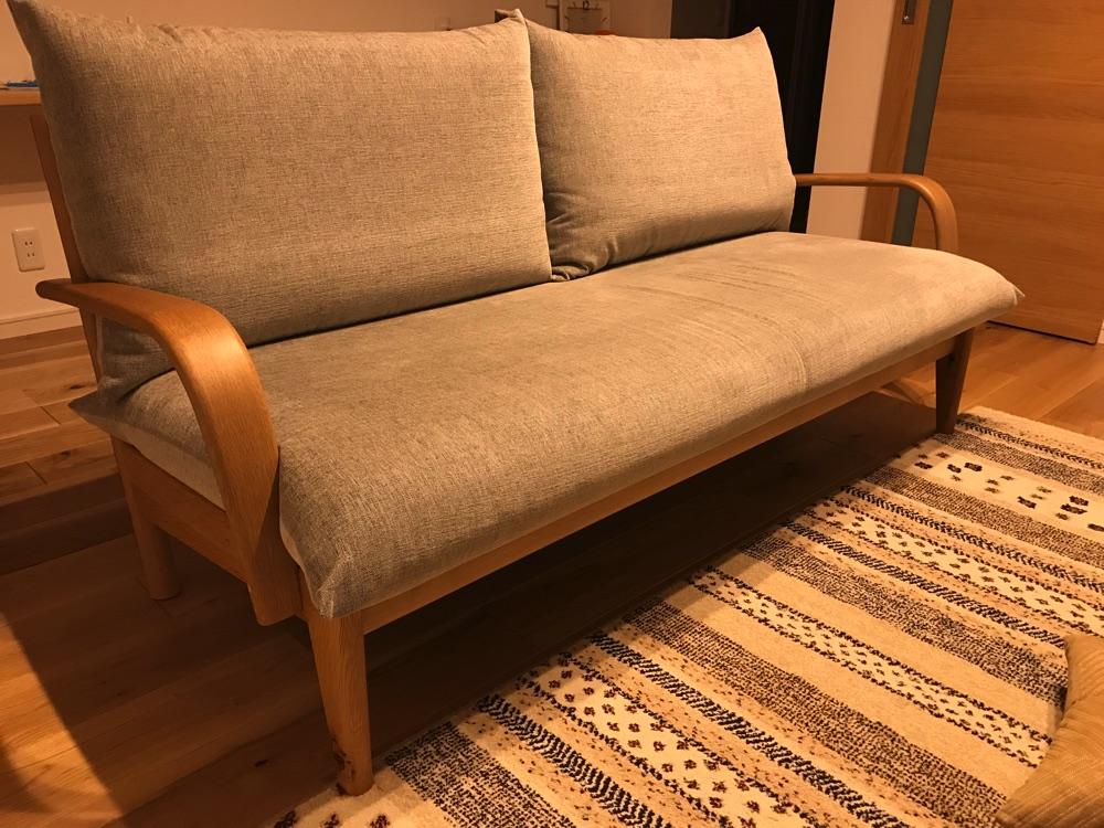 いちばん好きな家具はすごく豪華にして、それ以外はお手軽なものを選べば、予算の範囲内で大満足な家具選びができますよ。