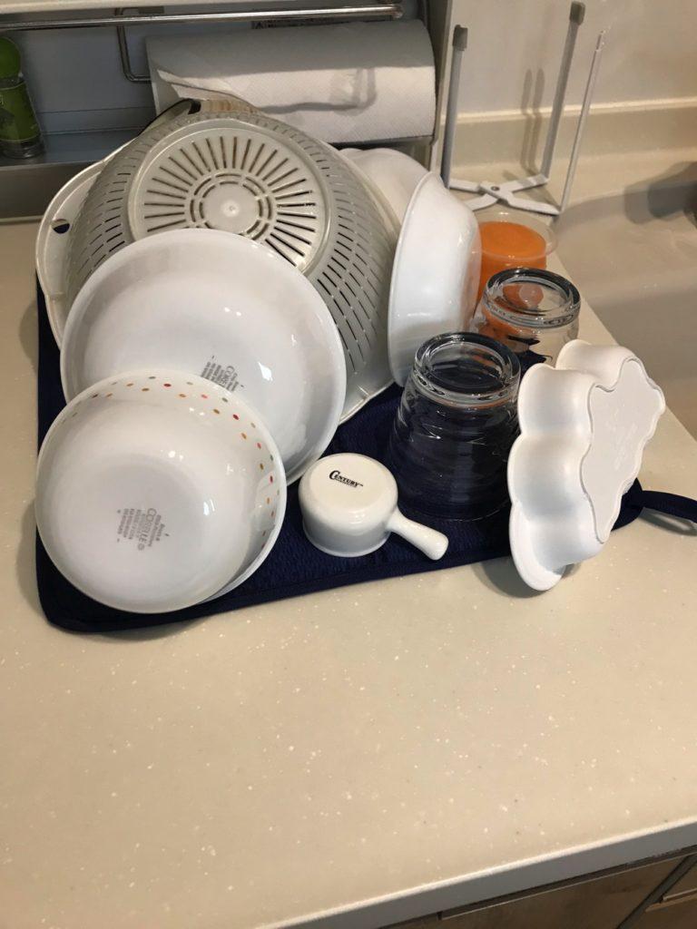 食器をたくさん置ける食器専用の水切りマット