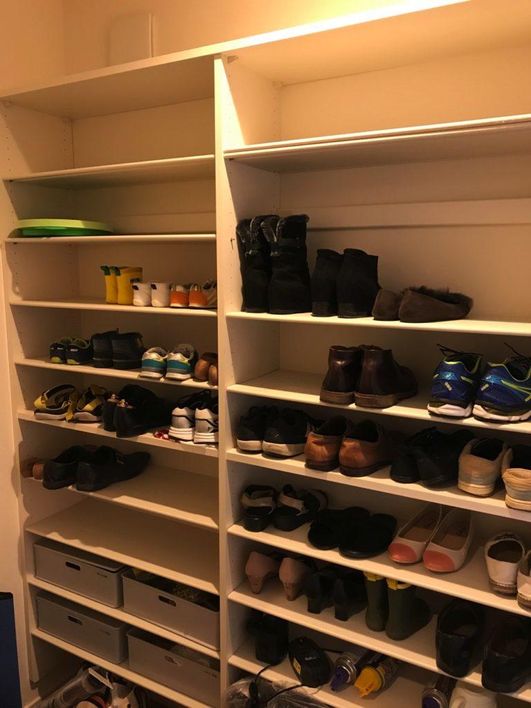 シューズクロークは靴がたくさん収納できる