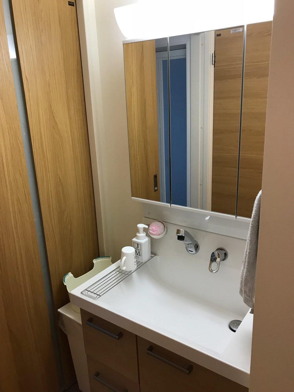 洗面台が脱衣室から独立してると、お客さんに手を洗ってもうときも嫌なものが見られる心配はない