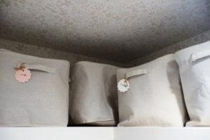 クローゼットの上段にある棚の上はバッグを置くのには不向き